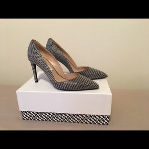 Lille Embossed Leather Pump